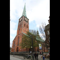 Lübeck, St. Jakobi (Kleine Orgel), Fassade mit Turm