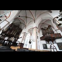 Lübeck, St. Jakobi (Kleine Orgel), Innenraum mit großer und kleiner Orgel