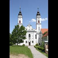 Irsee, Ehem. Abteikirche, Fassade der Abteilkirche