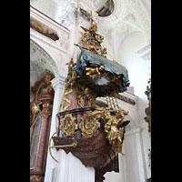 Irsee, Ehem. Abteikirche, Schiff-Petri-Kanzel von Ignaz Hillenbrand (1725)
