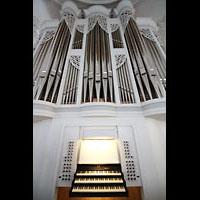 Kaufbeuren, Dreifaltigkeitskirche, Spieltisch und Orgel
