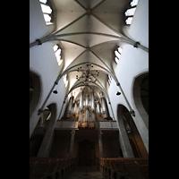 St. Ottilien, Erzabtei, Klosterkirche (Hauptorgel), Hauptorgel mit Blick ins Gewölbe