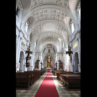 München - Sendling, St. Margaret, Innenraum in Richtung Chor