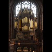 Chester, Cathedral, Orgel im nördlichen Querhaus - unten im Hintergrund die Pedalpfeifen