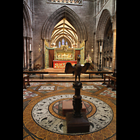 Chester, Cathedral, Ambo in Form eines Adlers