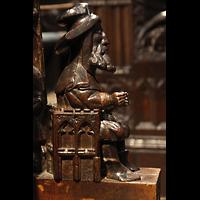 Chester, Cathedral, Figurenschmuck im Chorgestühl am Dean's Chair
