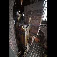 Chester, Cathedral, Seitlicher Blick von der Balustrade des Nordschiffs auf die Orgel