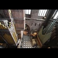 Chester, Cathedral, Orgel (Rückseite) und Pedalpfeifen im nördlichen Querschiff