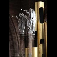Chester, Cathedral, Figurenschmuck auf dem Dach der Orgel