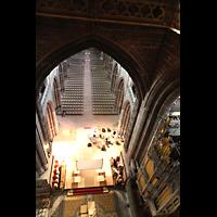 Chester, Cathedral, Blick von der Vierung ins Langhaus und zur Orgel