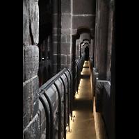 Chester, Cathedral, Balustrade unterhalb der Obergaden