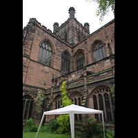 Chester, Cathedral, Außenansicht mit Vierungsturm