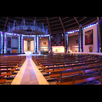 Liverpool, Metropolitan Cathedral of Christ the King, Innenraum mit Orgel