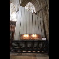 York, Minster (Cathedral Church of St Peter), Pedalpfeifen des Double Open Wood 32' im linken Chorumgang
