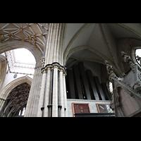 York, Minster (Cathedral Church of St Peter), Becher des Sackbut 32' unter der Orgel mit Blick in die Vierung