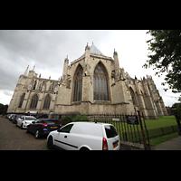 York, Minster (Cathedral Church of St Peter), Außenansicht (Nordseite) von Dean's Park