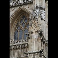 York, Minster (Cathedral Church of St Peter), Fuguren an der Westfassade