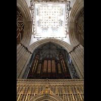 York, Minster (Cathedral Church of St Peter), Orgel auf dem King's Screen mit Blick ins Vierungsgewölbe