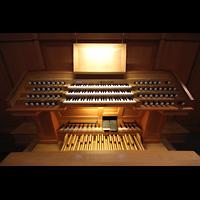 Berlin (Zehlendorf), Pauluskirche (Bach-Orgel), Spieltisch der Schuke-Orgel