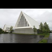 Reykjavík (Reykjavik), Langholtskirkja, Außenansicht seitlich