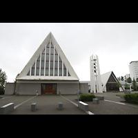 Reykjavík (Reykjavik), Langholtskirkja, Fassade und Kirchturm
