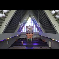 Reykjavík (Reykjavik), Langholtskirkja, Blick von der hitneren Empore in die Kirche