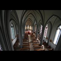 Reykjavík (Reykjavik), Landakotskirkja, Dómkirkja Krists Konungs, Christkönigs-Kathedrale), Blick von der Orgelempore in die Kirche