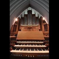 Reykjavík (Reykjavik), Landakotskirkja, Dómkirkja Krists Konungs, Christkönigs-Kathedrale), Orgel mit Spieltisch