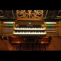 Hafnarfjörður (Hafnafjördur), Kirkja (Romantische Orgel), Spieltisch der romantischen Orgel