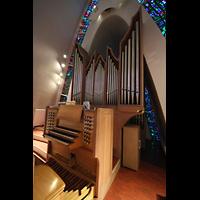 Kópavogur, Kópavogskirkja, Orgel mit Spieltisch