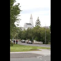 Reykjavík (Reykjavik), Hallgrímskirkja (Chororgel), Blick von der Háteigskirkja zur Hallgrímskirkja