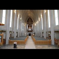 Reykjavík (Reykjavik), Hallgrímskirkja (Chororgel), Innenraum in Richtung Orgel