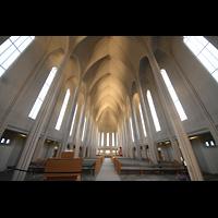 Reykjavík (Reykjavik), Hallgrímskirkja (Chororgel), Innenraum in Richtung Chor