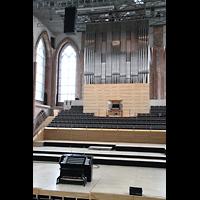 Neubrandenburg, Konzertkirche St. Marien, Orgel beleuchtet