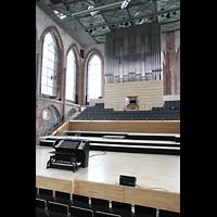 Neubrandenburg, Konzertkirche St. Marien, Orgelbühne und mobiler Spieltisch
