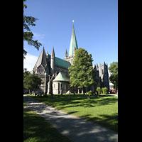 Trondheim, Nidarosdomen (Wagner-Orgel), Außenansicht schräg seitlich