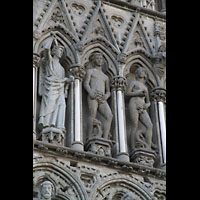 Trondheim, Nidarosdomen (Wagner-Orgel), Adam und Eva, links daneben der Engel