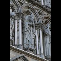Trondheim, Nidarosdomen (Wagner-Orgel), Der heilige Denis, seinen Kopf in der Hand haltend