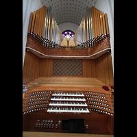 Bodø (Bodo), Domkirke, Spieltisch und Orgel