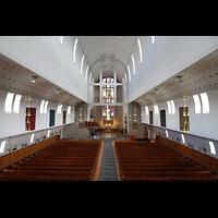 Bodø (Bodo), Domkirke, Blick von der Orgelempore in den Dom