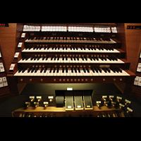 Trondheim, Nidarosdomen (Wagner-Orgel), Mittlere Wippschalter und Manuale am Zentralspieltisch
