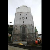 Bergen, Domkirke, Durch Baustelle verdeckter Turm