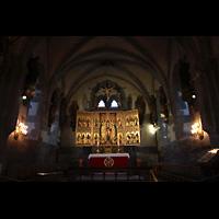 Bergen, Mariakirke, Chorraum mit Altar