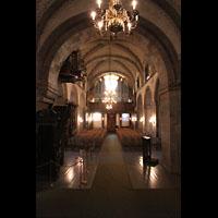 Bergen, Mariakirke, Innenraum in Richtung Orgel