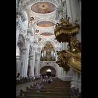 Passau, Dom St. Stephan, Kanzel und Hauptorgel