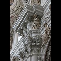 Passau, Dom St. Stephan, Kapitell an einer Hauptschiffsäule