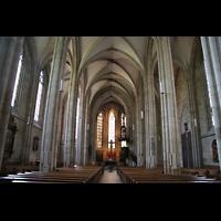 Esslingen, Frauenkirche, Innenraum / Hauptschiff in Richtung Chor