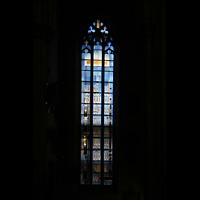 Ulm, Münster (Hauptorgel), Eines der modernen Fenster