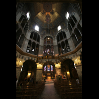 Aachen, Dom St. Marien (Hauptorgelanlage), Oktogon in Richtung Chorhalle