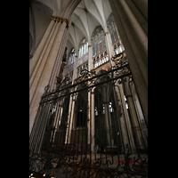 Köln, Dom St.Peter und Maria (Truhenorgel), Chorraum vom Chorumgang aus